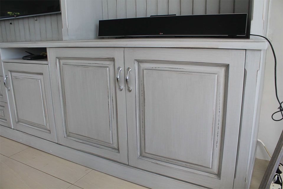 Sherwood Kitchens tv unit 2