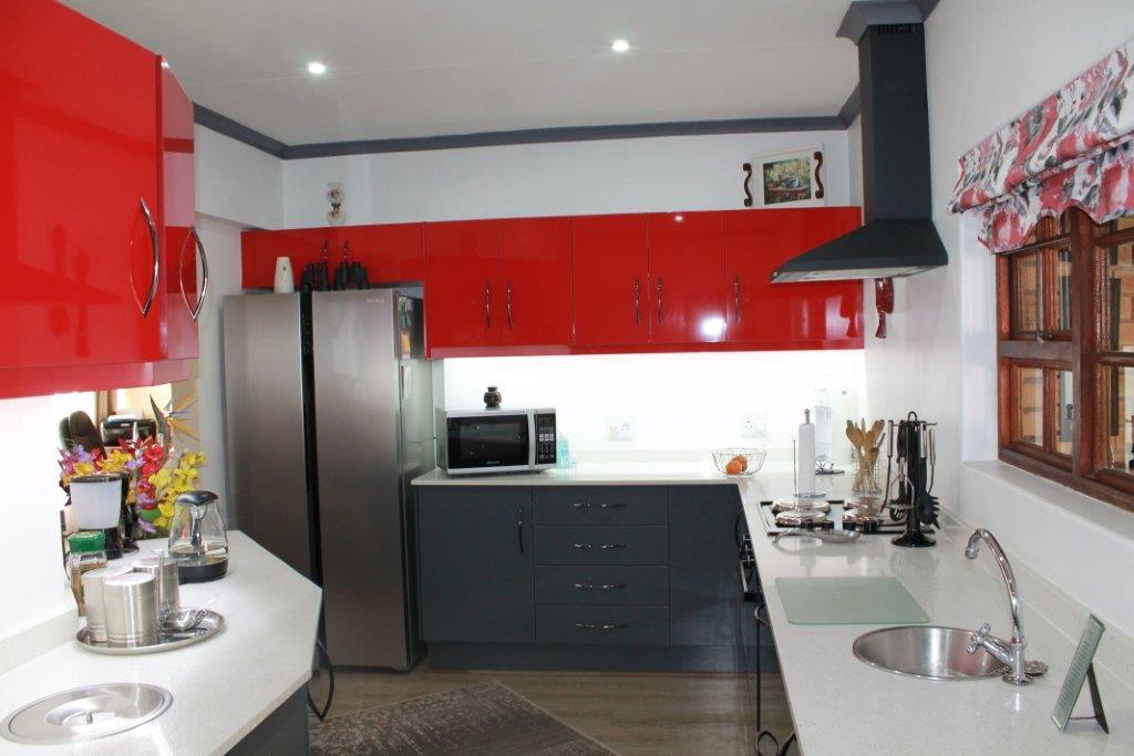 Beautiful modern kitchen in Blue Gill estate